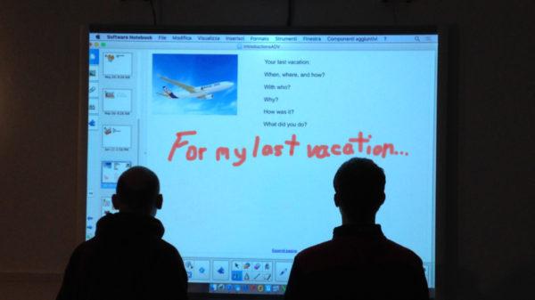 Corsi di inglese con tecnologia in aula a Milano.