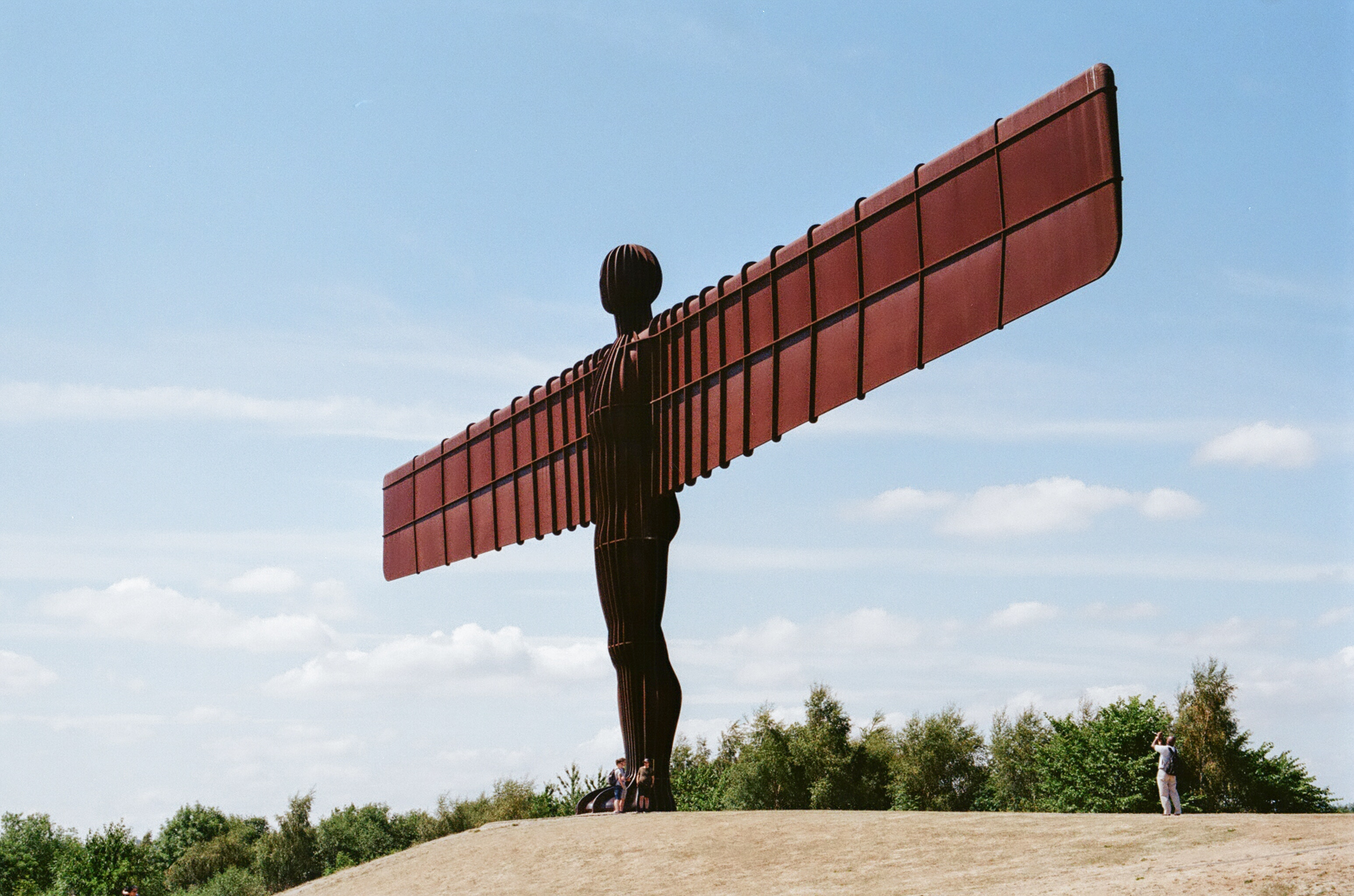 Newcastle-Angel-of-the-North-England-Statue-Photo-difficult-accent-language-learning
