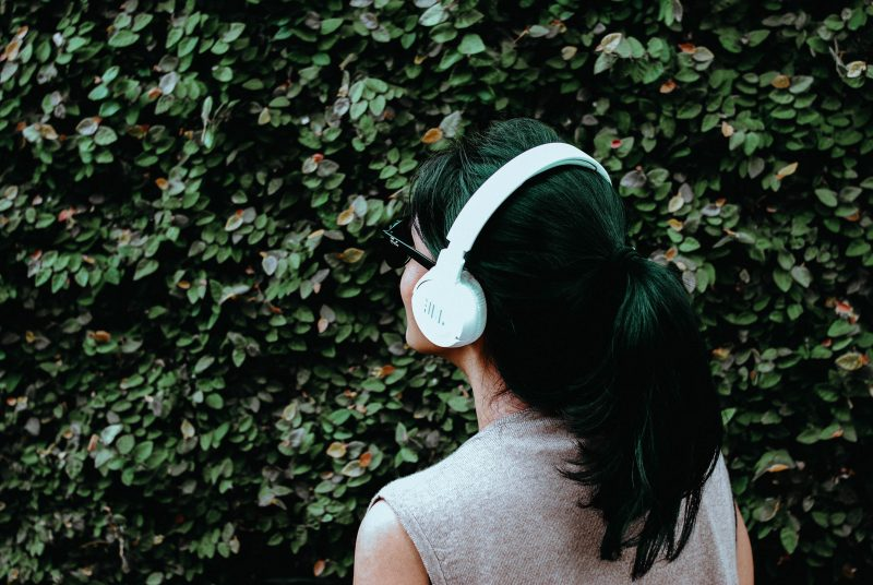 5 Podcasts to Follow to Improve your English