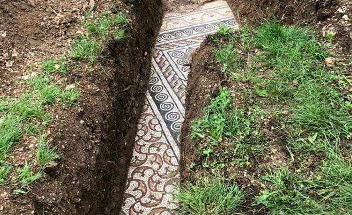 Learn English with the News: Perfectly preserved ancient Roman mosaic floor discovered in Italy