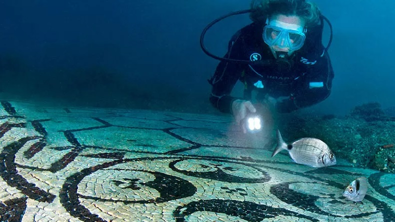 Learn English with the News – Baia: A City That Lies Beneath the Waves