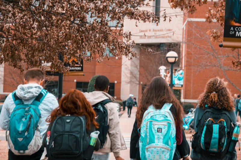 5 cose che devi sapere sull'ammissione ai college americani