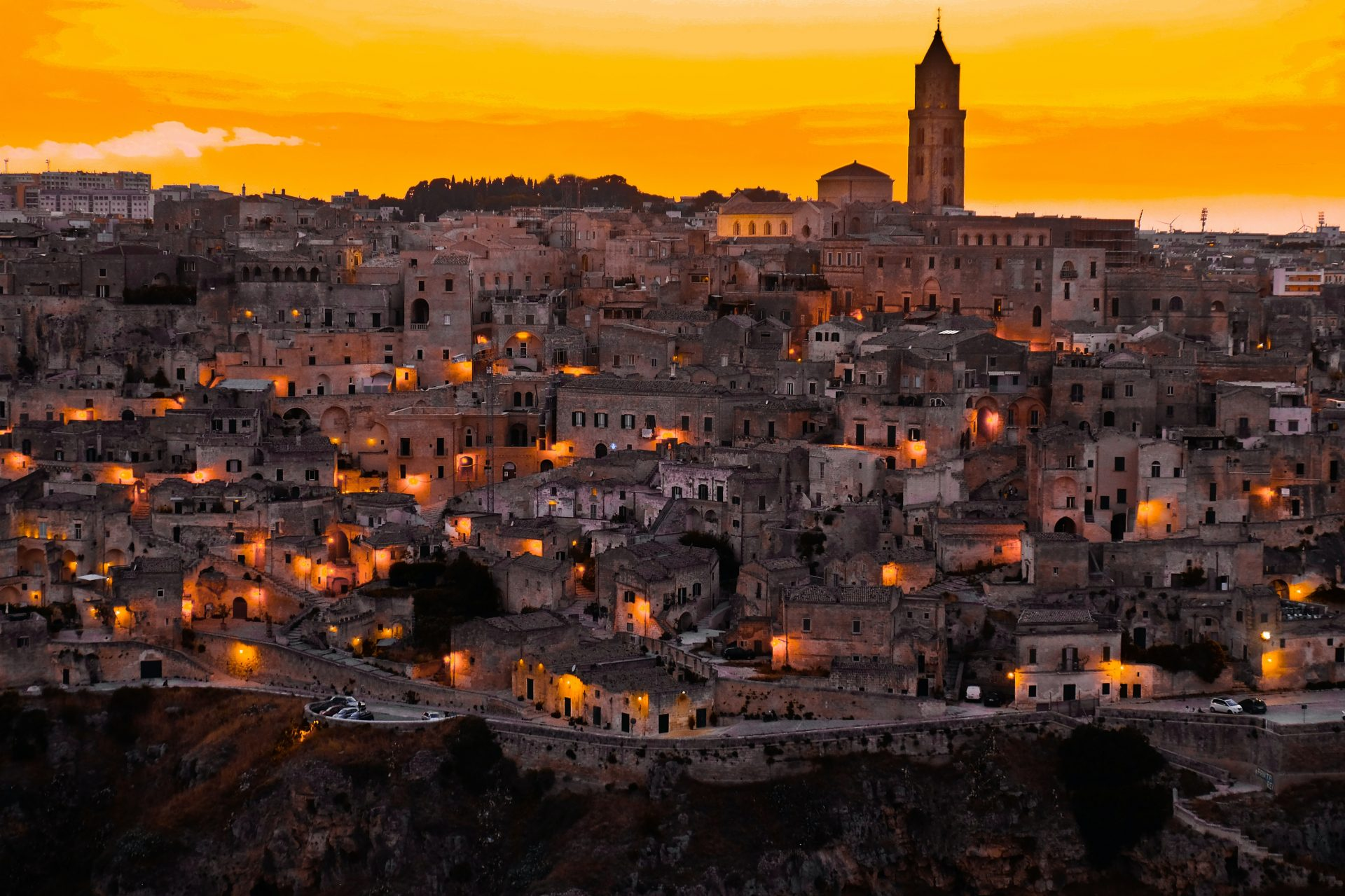 Learn English with the News – Millennials Using Sicily's €1 Homes