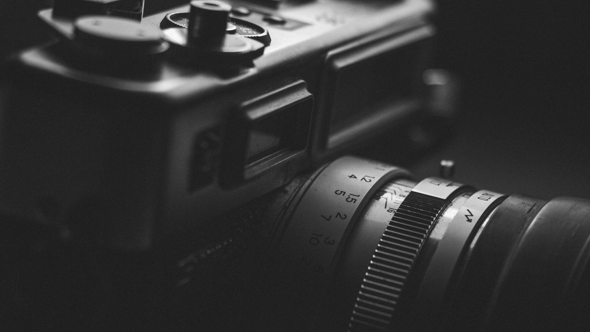 Four Ways to Describe a Photograph