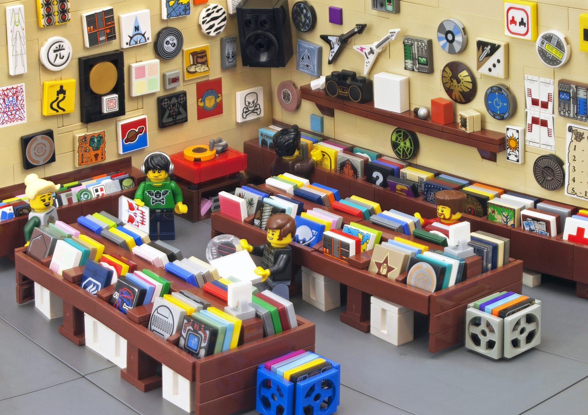 Learn English with the News – New Lego Bricks to Be Made of Recycled Plastic
