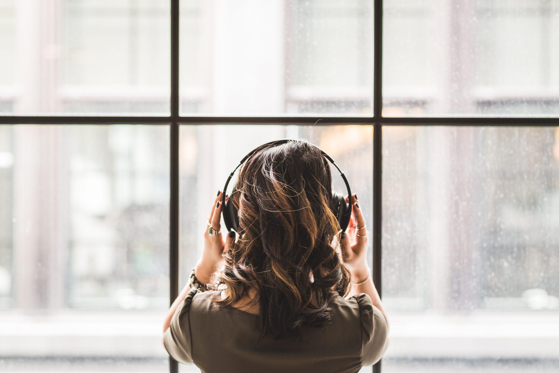 Make, Take, Do – Listening + English Grammar Exercises